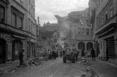 Zerstörte Kaufstraße