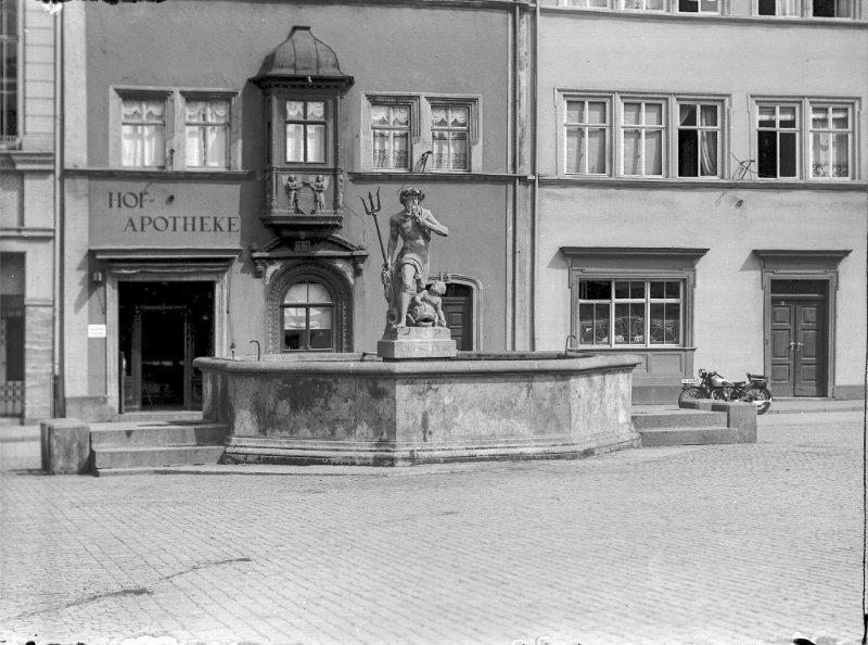 Neptunbrunnen und Hofapotheke, 2021-08-16