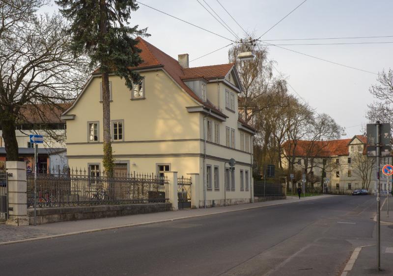 Humboldtstraße 9, 1880-00-00