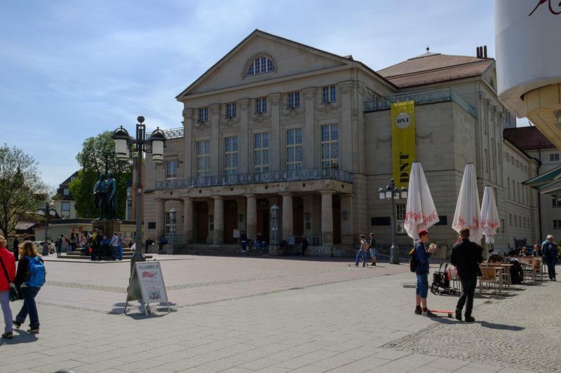 Das ausgebrannte Nationaltheater, 1945-02-00