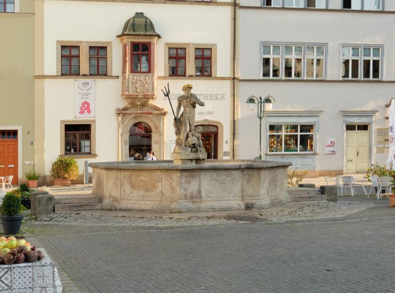 Neptunbrunnen und Hofapotheke, 1930-00-00
